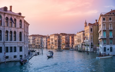 How to Stop Travel From The United Kingdom To Italy
